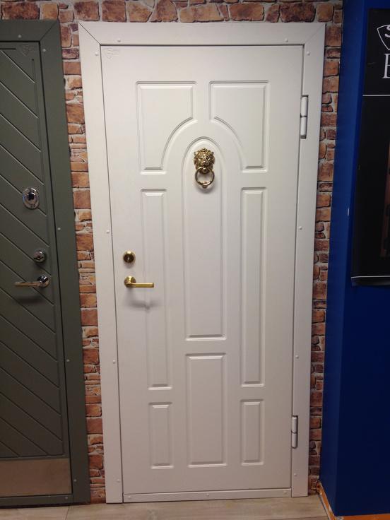 metāla durvis mājai cena